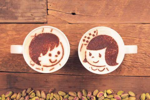 История жизни двух чашек кофе