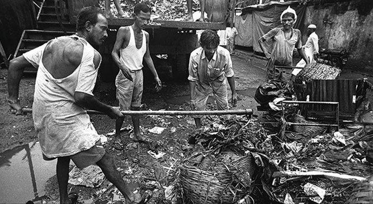 Как чистят канализацию в Мумбаи — Фото №5