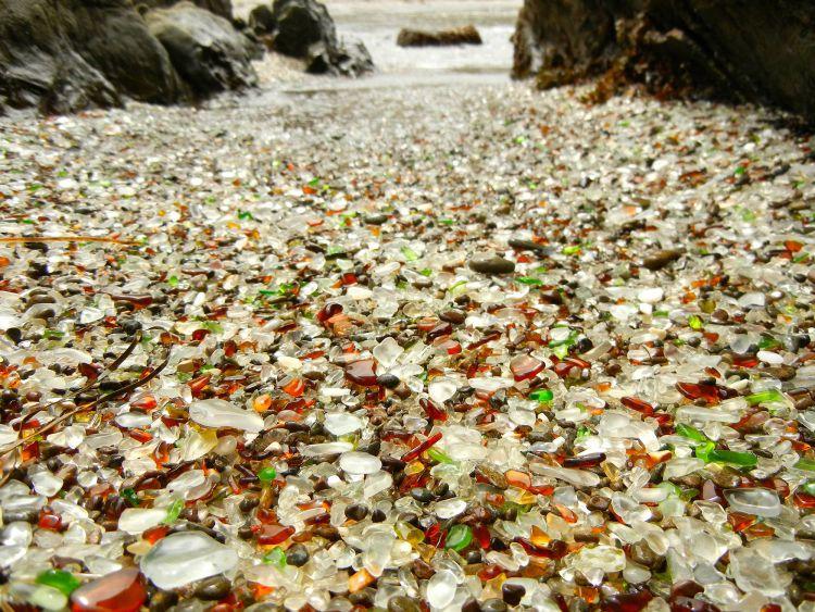 Стеклянный пляж в Калифорнии — Фото №1