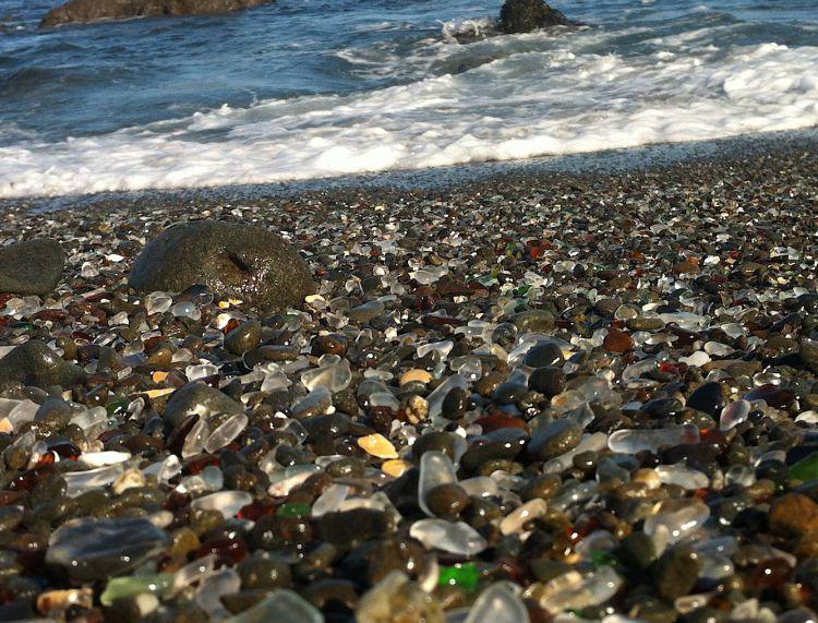 Стеклянный пляж в Калифорнии — Фото №10