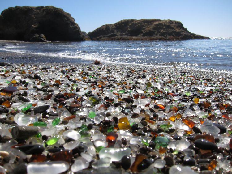Стеклянный пляж в Калифорнии — Фото №11