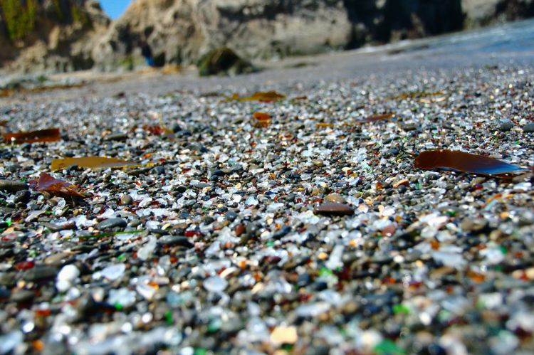 Стеклянный пляж в Калифорнии — Фото №14