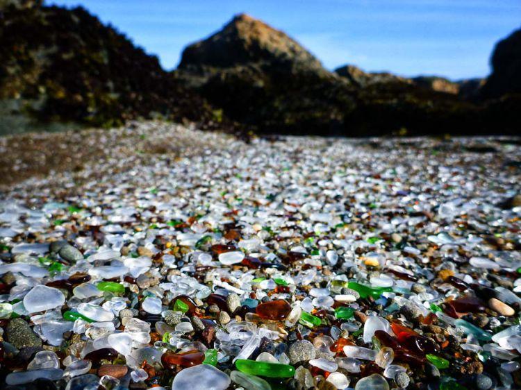 Стеклянный пляж в Калифорнии — Фото №9