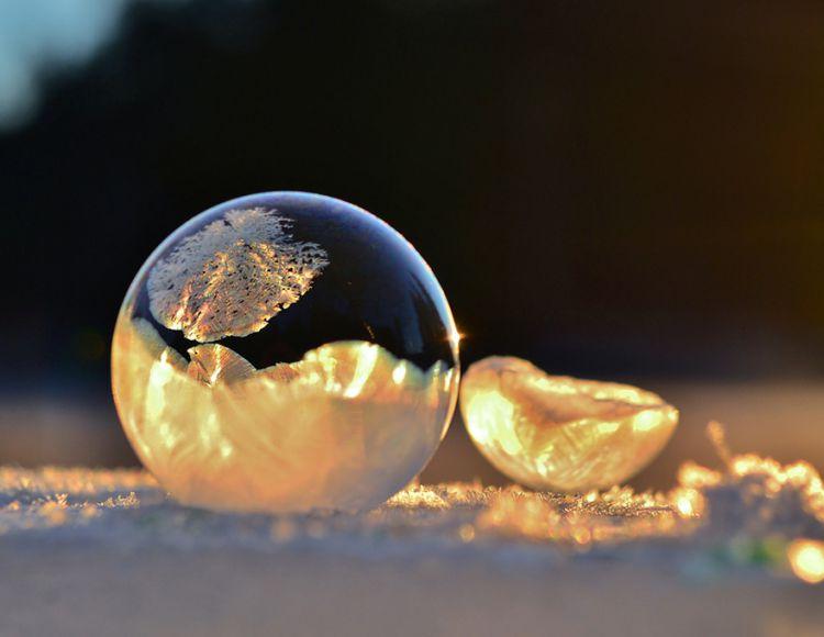 frozen-bubbles-angela-kelly-001