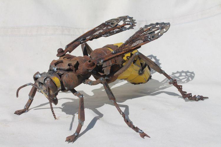 Скульптуры животных из металлолома