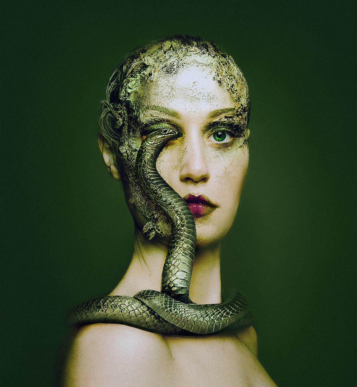 Потрясающие автопортреты Флоры Борси