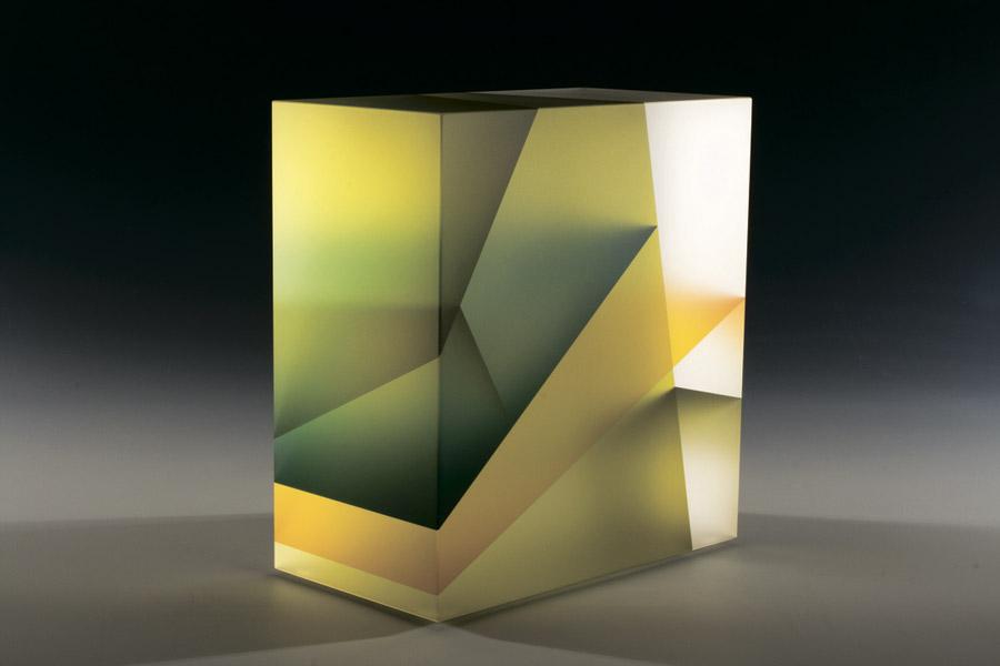 Скульптуры из стекла, вдохновлённые основой жизни