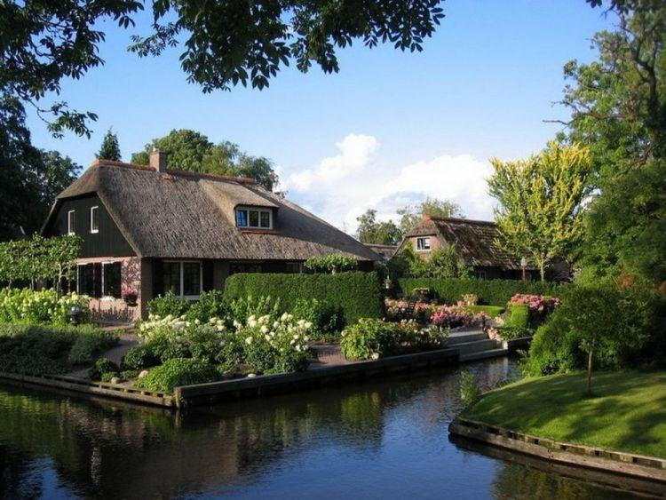 Уютная деревушка Гитхорн — Венеция в Голландии