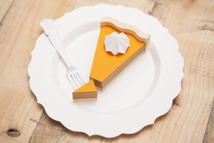 Еда из бумаги, приготовленная в Барселоне
