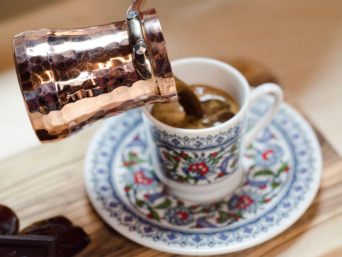 «Настоящая любовь — это кофе, который варишь дома с утра»